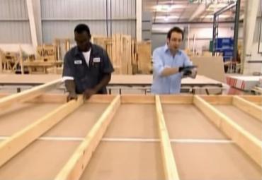 MEGACONSTRUCCIONES – Casa construida con madera a prueba de huracanes