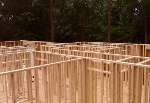 Paso a paso. Construcción con sistema Ballon Frame o bastidores de madera.