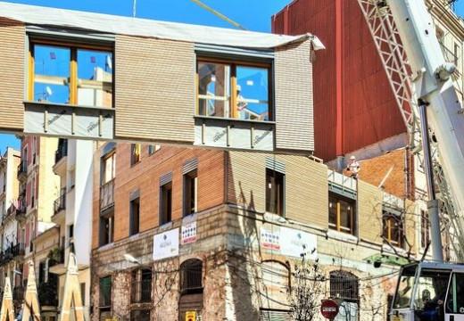 """Casas """"sanas"""" de madera para promover el turismo responsable en Barcelona"""
