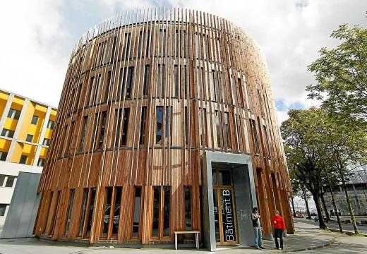 FRANCIA: Emblemático edificio de madera es modelo mundial de construcción bioclimática