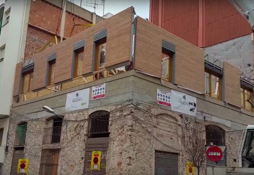España: Así construyen en Barcelona el primer edificio de madera del país con sistema ballon frame