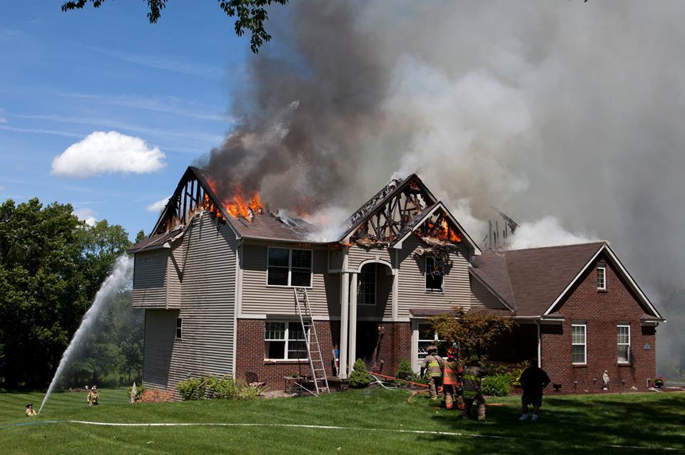 El fin de un mito: la estructura de madera tolera el fuego mejor que ...