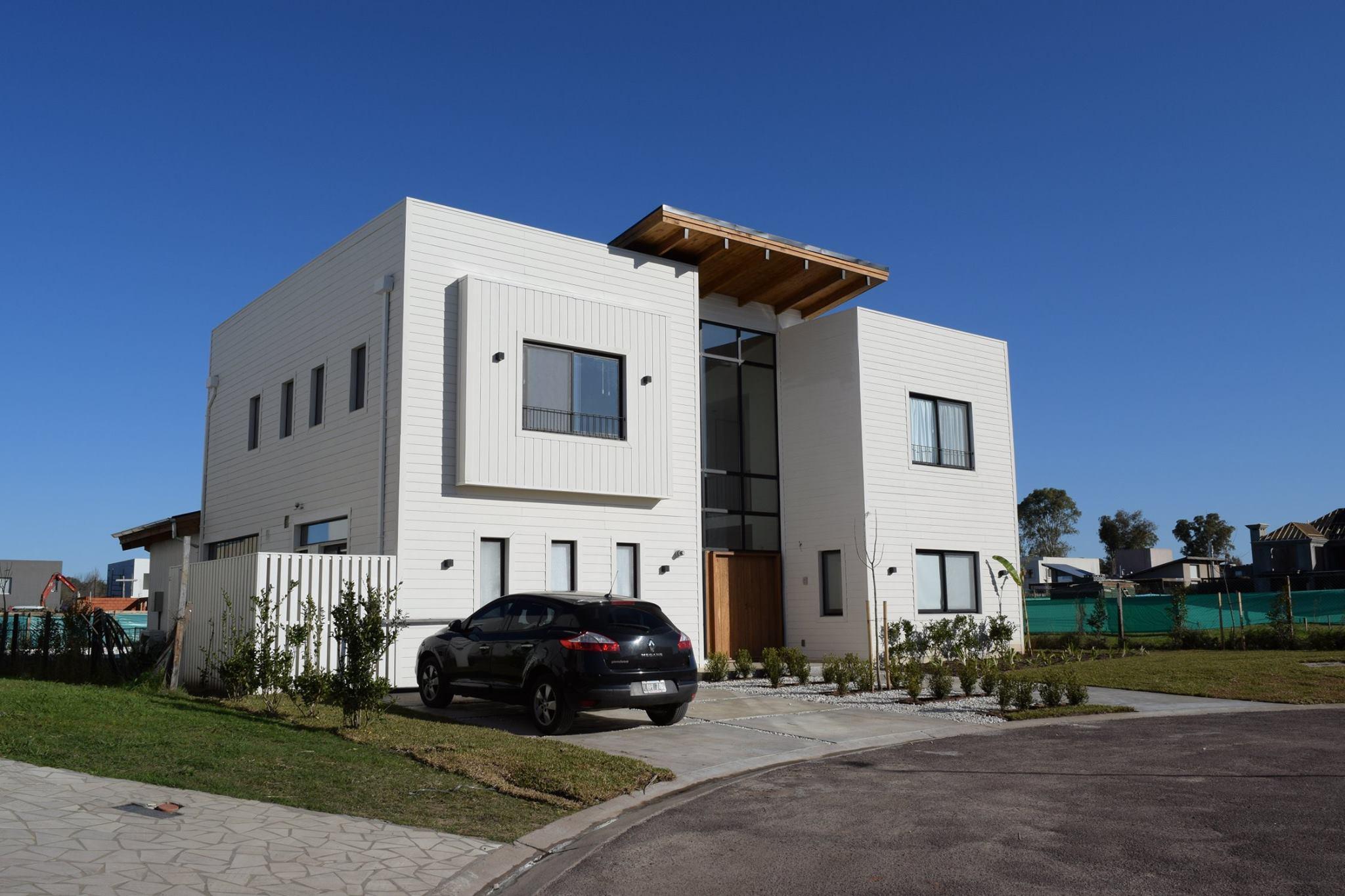 Argentina vivienda de 300 m2 sistema bastidores de maderaMadera y ...