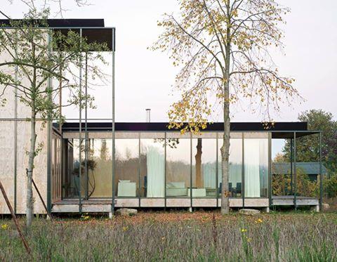 Belgica: inspirada en la arquitectura japonesa construyen una casa de vacaciones con bajo presupuesto