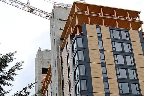 Las ventajas de la madera laminada en la construcción de edificios de altura