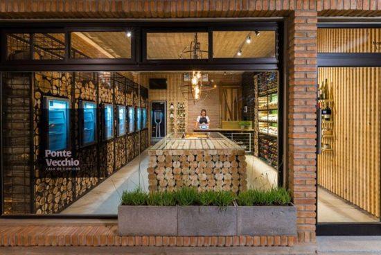 CORDOBA. Transforman un clásico almacén en una delicada y cálida boutique.
