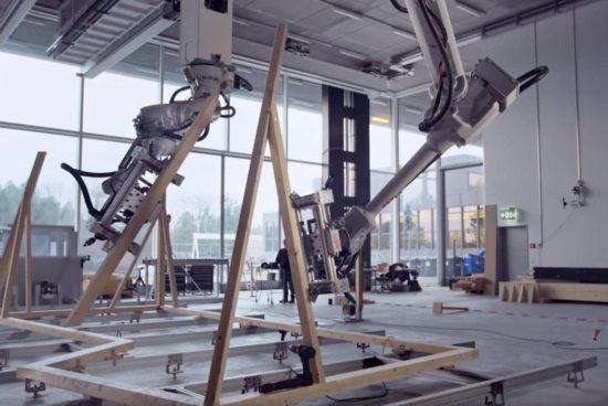 ALEMANIA. Presentan robot que monta estructuras de madera y aseguran que revolucionará el mercado de la construcción