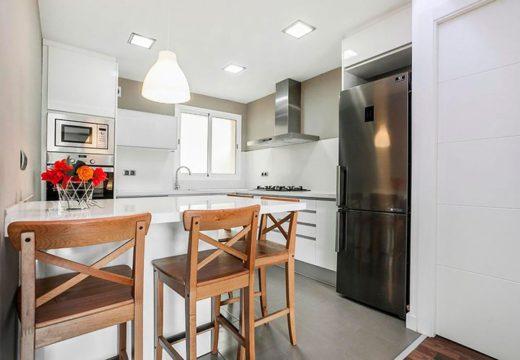 Los secretos para llevar adelante una buena refacción de cocinas y baños: costos, materiales y tendencias