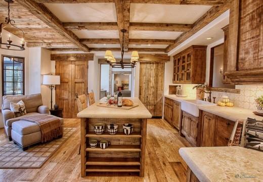 Madera de pino en la cocina: economía, diseño y calidez
