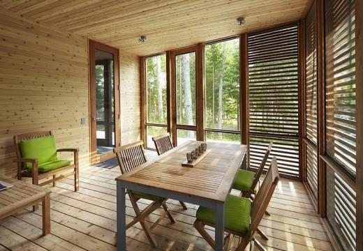 Arquitectura en madera: moderna cabaña de pino en los bosques de Canadá
