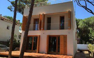 Barcelona, España: una vivienda con estructura de madera es la primera vivienda pasiva de la ciudad.
