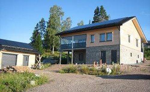 Finlandia: construyen la primera vivienda de madera con consumo de energía cero