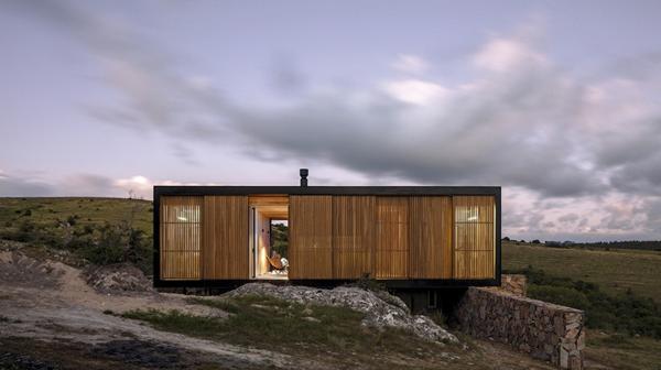 Uruguay: una casa en Maldonado deslumbra por su diseño moderno y funcionalidad