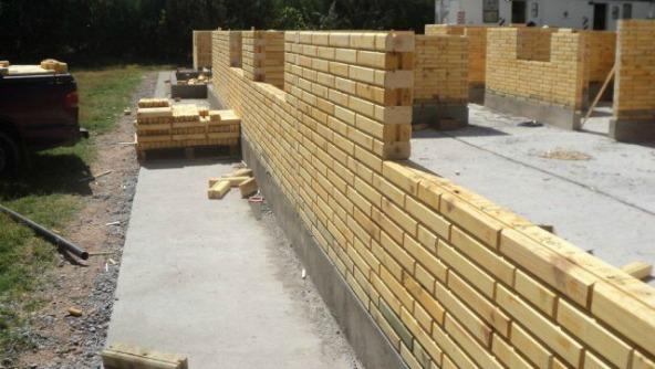 PATAGONIA ARGENTINA. Crece con velocidad el sistema de construcción con ladrillos de madera