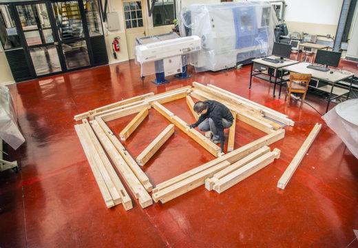 CHILE. Grupo de carpintería robotizada propone estructuras que puedan ser armadas y modificadas por sus propietarios.