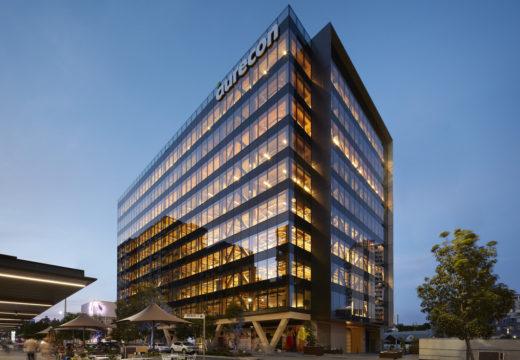 AUSTRALIA. Inaugura su torre de madera más alta. 10 pisos y 45 metros de altura.
