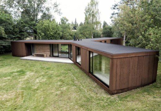 La casa prefabricada danesa de acero y madera construida en sólo 3 días